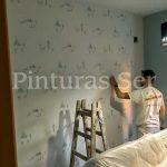 Empapelando apartamento en Barcelona -- Pinturas Ser
